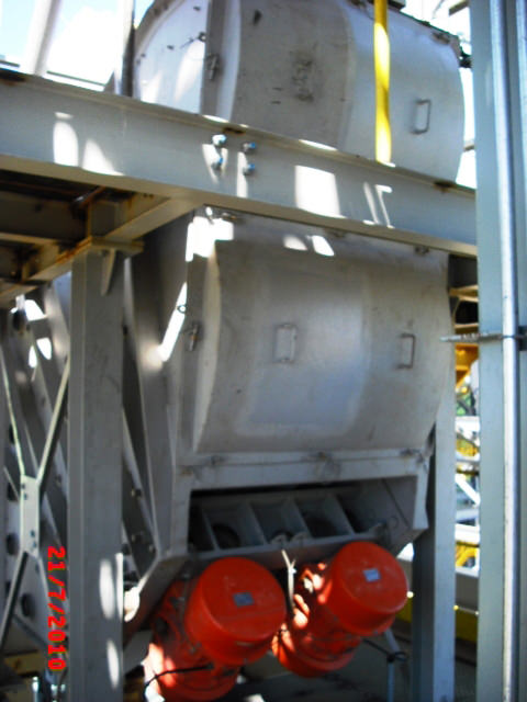 """Peneira Multideck® """"longa"""" para a classificação de cal em usina siderúrgica"""