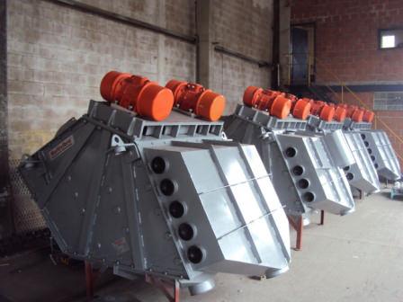 Peneiras Multideck® (3 máquinas) instaladas para a classificação de areia calcarea