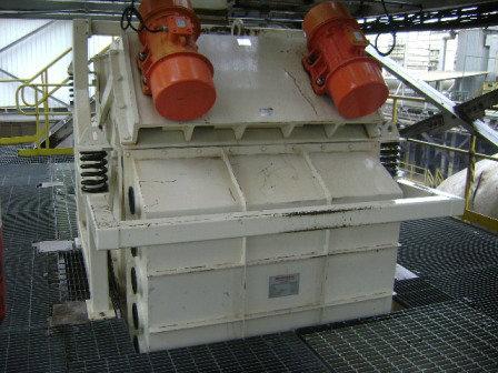 Peneira Multideck® instalada para a eliminação de pó contido em cavaco de madeira