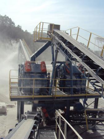 Peneiras Multideck® classificando predisco/areia